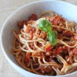 Het recept voor de beste vegan spaghetti 'bolognese' die je ooit gaat eten!